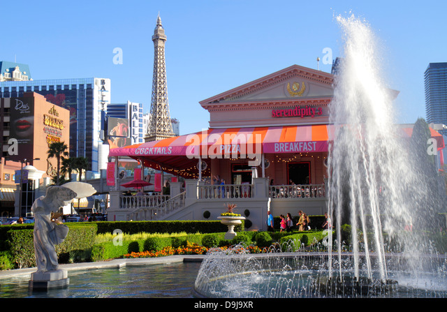 Nevada Las Vegas The Strip South Las Vegas Boulevard Caesars Palace Las Vegas Hotel & Casino garden fountain - Stock Image