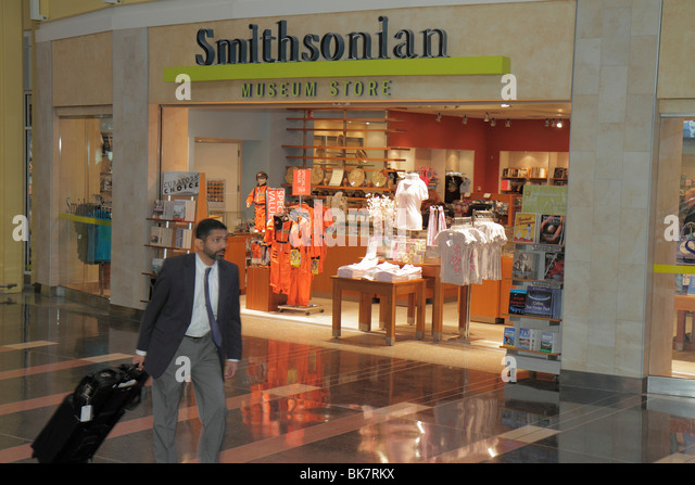 Virginia Arlington Ronald Reagan Washington National Airport DCA terminal concession business shopping gifts souvenir - Stock Image