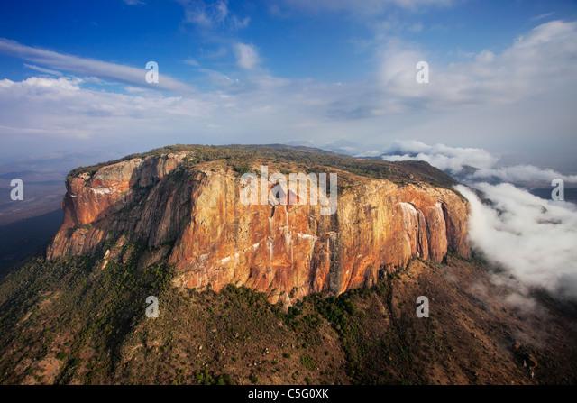 Ololokwe mountain is a striking landmark in Northern Kenya. - Stock-Bilder