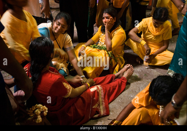 hindu single women in howes cave Women--meeting in faith 143-152 919  hindu rites of passage and the christian sacraments 933  howes, pat solitude 764 namoyo,.