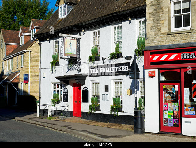 The Volunteer pub in Faringdon, Oxfordshire, England UK - Stock Image