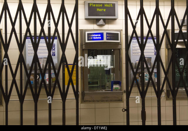 London UK. 6th February 2014. A closed Underground station on Day 2 of the 48 hour tube strike called by the RMT - Stock Image