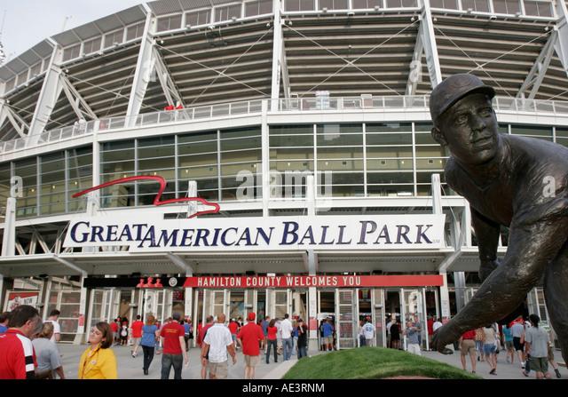 Ohio Cincinnati Great American Ball Park Reds Major League Baseball stadium fans statue - Stock Image