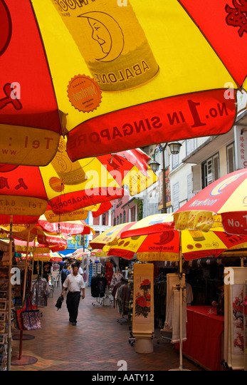 A view of Chinatown market stalls in Singapore - Stock Image