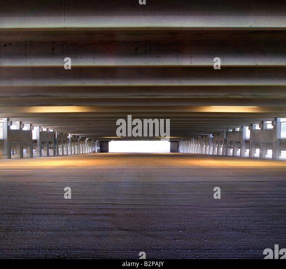 Garage floor stock photos garage floor stock images alamy for Garage auto b2