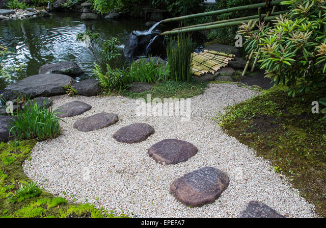 Water is considered purifying in Japan, hence the emphasis on cleanliness in everyday life. Water fountains such - Stock-Bilder