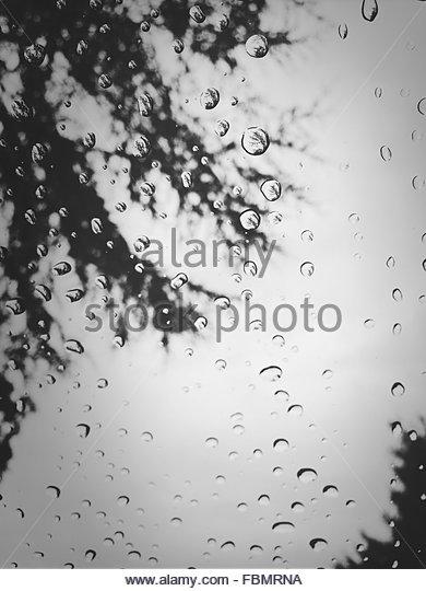 Full Frame Shot Of Water Drops On Glass - Stock-Bilder