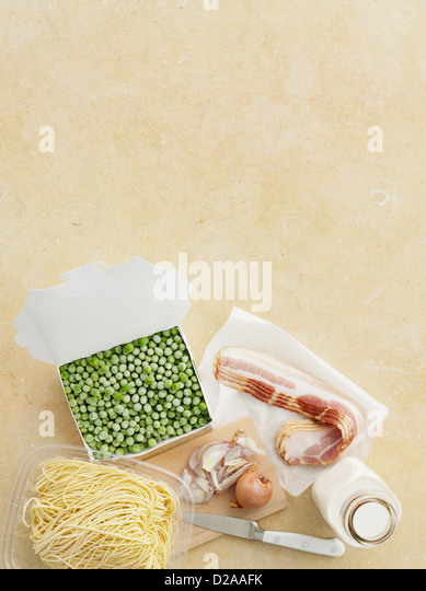 Fresh pasta, peas, bacon and onion - Stock Image