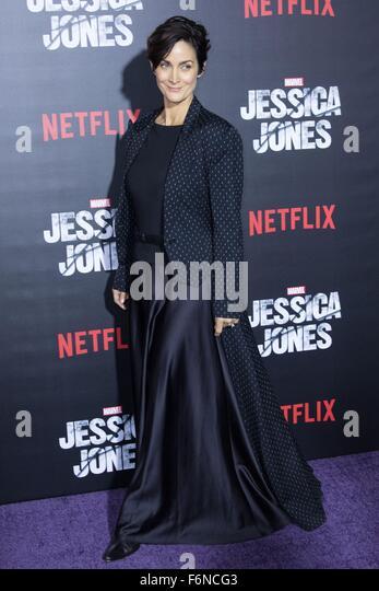 New York, NY, USA. 17th Nov, 2015. Carrie-Anne Moss at arrivals for MARVEL's JESSICA JONES Netflix Original - Stock Image