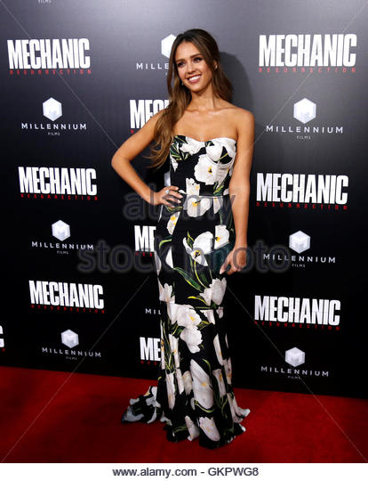 Cast member Jessica Alba poses at the premiere for the movie 'Mechanic: Resurrection' in Los Angeles, California - Stock-Bilder