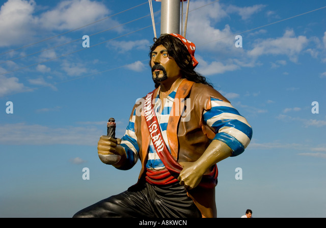 Grand Cayman George Town pirate statue sculpture - Stock Image