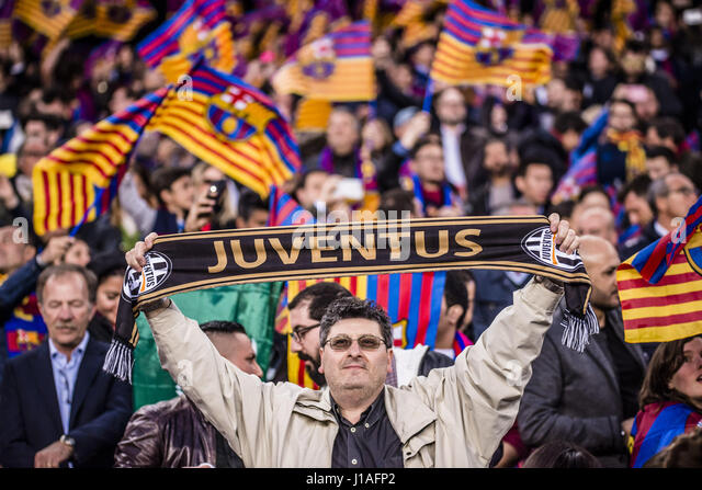 Barcelona, Catalonia, Spain. 19th Apr, 2017. A Juventus fan waves his scarf prior to the Champions League quarter - Stock Image