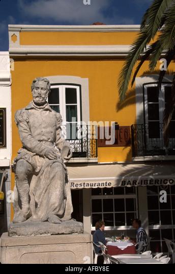 Portugal Cascais Largo Luiz de Camoes statue playwright alfresco dining restaurant - Stock Image