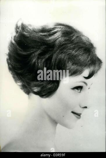 Mar. 17, 1958 - Hair styles For The Spring and Summer 1958: This Hair-do entitled ''A La Rebiquette'' - Stock-Bilder