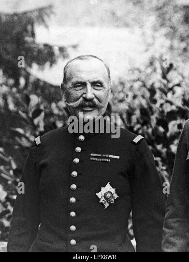 General Foch (2 October 1851 Ð 20 March 1929) seen here during a meeting with King George V and General Douglas - Stock Image