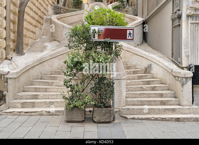 Camondo Steps, a famous pedestrian stairway leading to Galata Tower, built around 1870, located on Banks Street - Stock Image