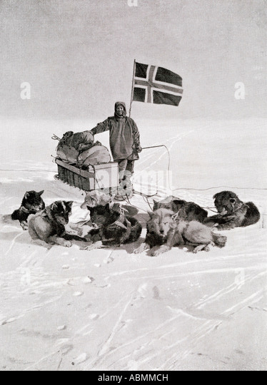 Captain Roald Engelbregt Gravning Amundsen 1872 to 1928 At the South pole under the Norwegian flag - Stock Image