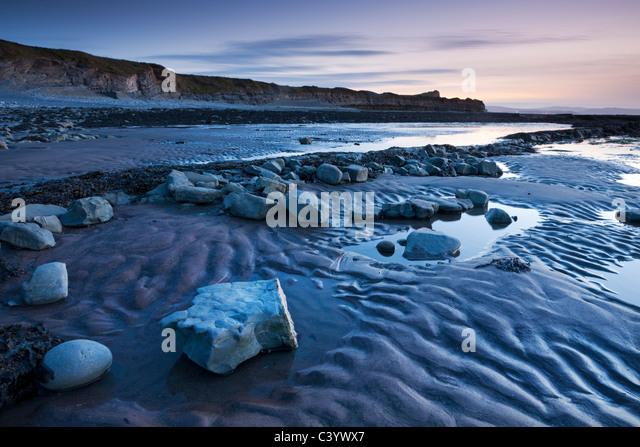 Twilight at Kilve Beach in the Quantocks, Somerset, England. Spring (April) 2011. - Stock-Bilder