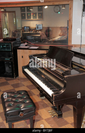 Nashville Tennessee Country Music Hall of Fame and & Museum Historic RCA Studio B tour music industry recording - Stock Image