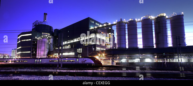 Lever Unilever Brothers plant Bank Quay Warrington at dusk - Stock Image