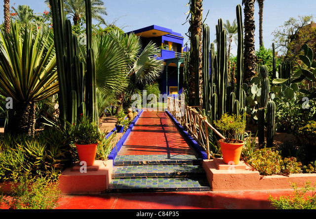 Jardin majorelle marrakech stock photos jardin majorelle for Cafe le jardin marrakech