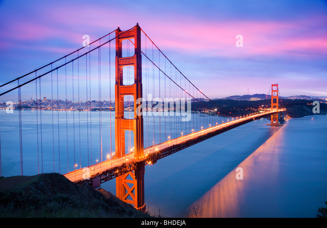 Golden gate Bridge and San Francisco Skyline viewed at dusk - Stock-Bilder