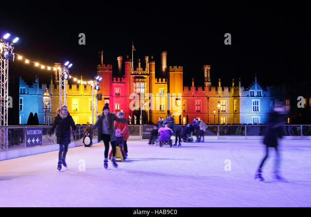 Hampton Court Palace, SW London, UK. 28th Nov, 2016. The first week of Christmas festivities at Hampton Court in - Stock Image