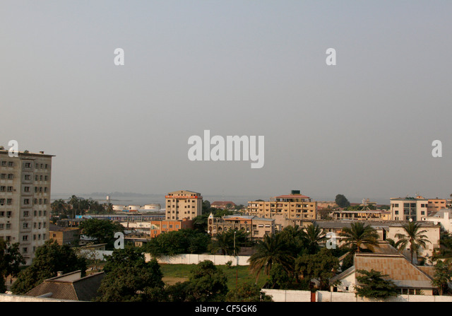 Looking across the city to the Congo River. La Ville, Kinshasa, DRC. - Stock-Bilder