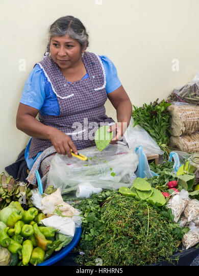 Woman selling green produce at a traditional market, Oaxaca, Mexico, North America - Stock-Bilder