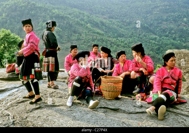 yao girls Yao girls huangluo yao village is located in the bank of jinsha river, on the bottom of zhuang village, all the house are build base on the river bank.