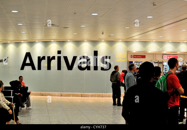 Arrivals hall at Terminal Three Heathrow airport  London - Stock-Bilder