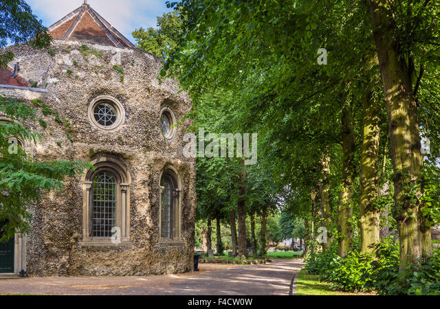 The grounds of Bury St Edmunds Abbey and St Edmundsbury Cathedral, Bury St Edmunds, Suffolk, England, UK - Stock Image