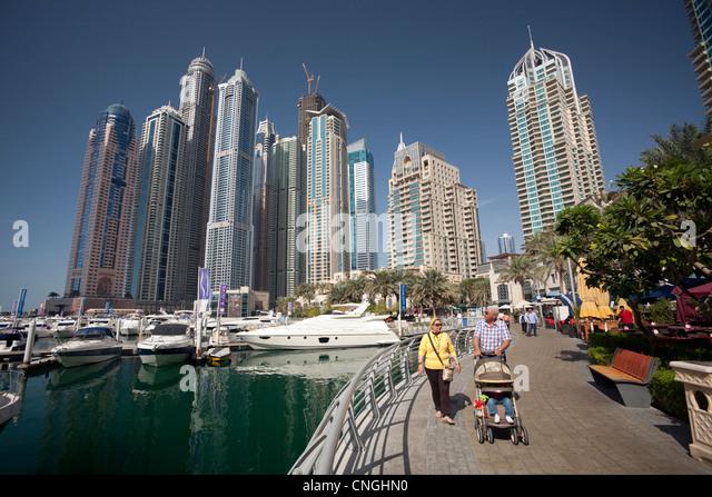 The skyscrapers of the 'Dubai Marina' area (Dubai - the United Arab Emirates). Les gratte-ciel du quartier - Stock Image
