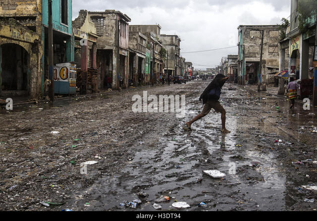 (161006) -- PORT-AU-PRINCE, Oct. 6, 2016 (Xinhua) -- Image provided by the United Nations Children's Fund (UNICEF) - Stock Image