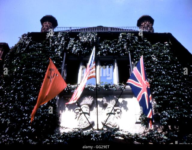 Potsdam conference. Soviet, American and British flags flying from the Palace  1945 World War II National Archives - Stock Image
