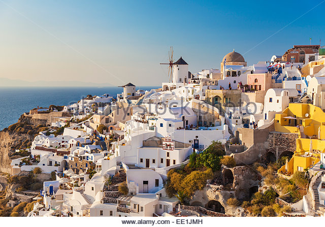 Windmill and traditional houses, Oia, Santorini (Thira), Cyclades Islands, Greek Islands, Greece, Europe - Stock-Bilder