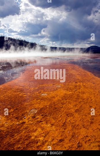 Grand Prismatic Spring, Midway Geyser Basin, Yellowstone National Park, Wyoming, USA - Stock-Bilder