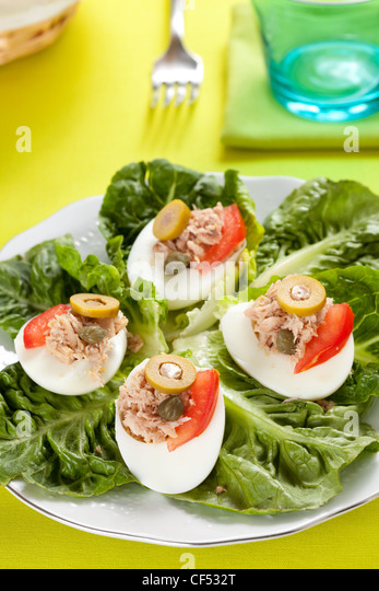 salad of letuce egg tuna and olive - Stock Image