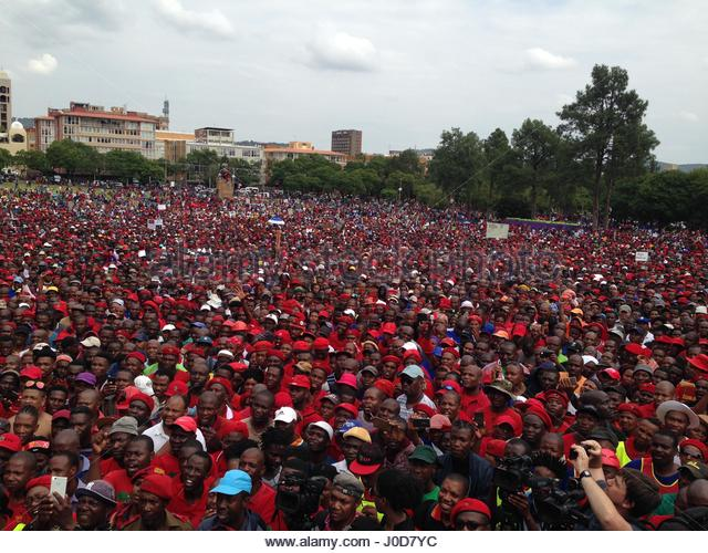 Pretoria, South Africa. 12th Apr, 2017. Tens of thousands of Opposition parties and Civil society organization members - Stock-Bilder
