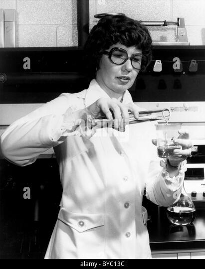 Barbara S. Askins, chemist at NASA, 1978 - Stock Image