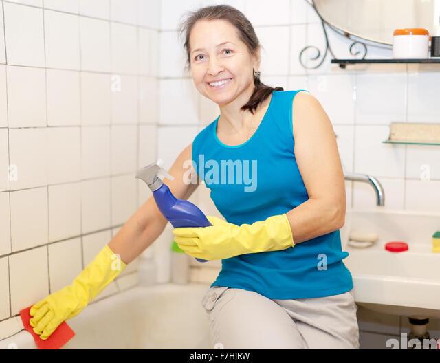 midage women in shower