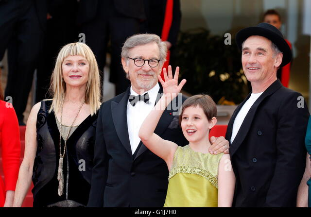 Cannes, France. 15th May, 2016. Actress Kate Capshaw (l-r), Steven Spielberg, actors Ruby Barnhill and Mark Rylance - Stock Image