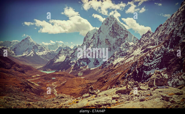 Retro vintage filtered picture of Himalaya mountains landscape, Nepal. - Stock-Bilder