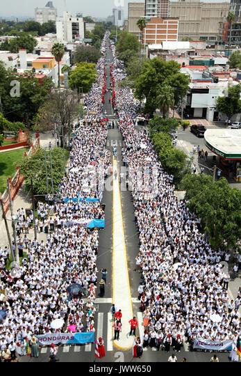 Guadalajara, Mexico. 13th Aug, 2017. Thousands of devotees of the 'Luz del Mundo' Church participate in - Stock Image