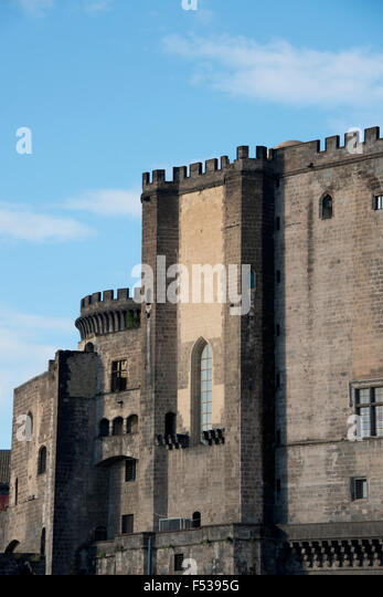 Italy, Naples (Napoli). New Castle (aka Castel Nuovo or Maschio Angioino), headquarters of the Neapolitan Society - Stock-Bilder