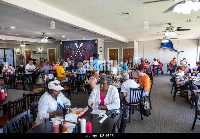 North Carolina NC Calabash fishing town regional cuisine dining Captain Nance's Seafood restaurant interior - Stock Image