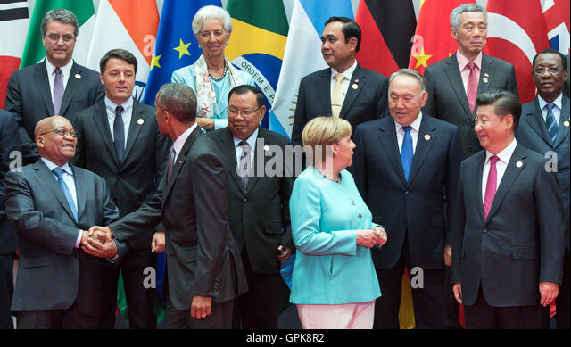 The heads of state of the G20 nations posing for a group photo at the G20 summit in Hangzhou, China, 4 September - Stock-Bilder