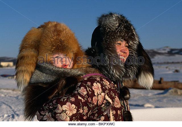 Mother & Child Native Yupik Fur Unalakleet Western AK - Stock Image
