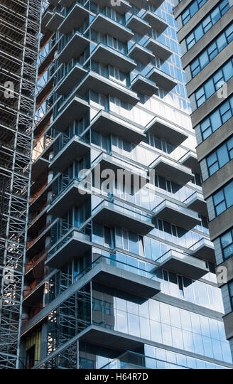 Luxurious Apartment Building In Nyc Marries Industrial: Luxury Apartment New York Stock Photos & Luxury Apartment
