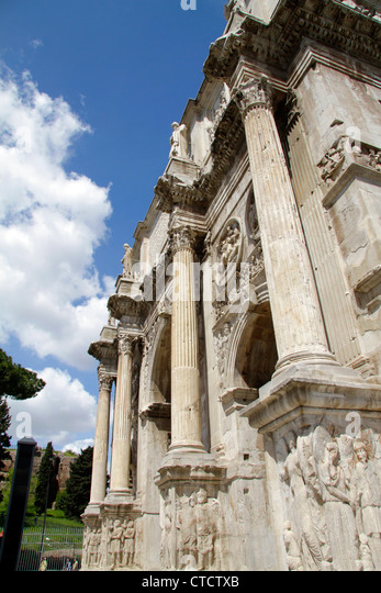 Italy, Rome, Arco di Costantino, Arch of Constantine at the Colosseum - Stock Image